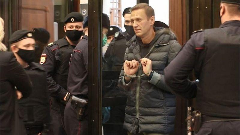 Навального посадили на 3,5 года