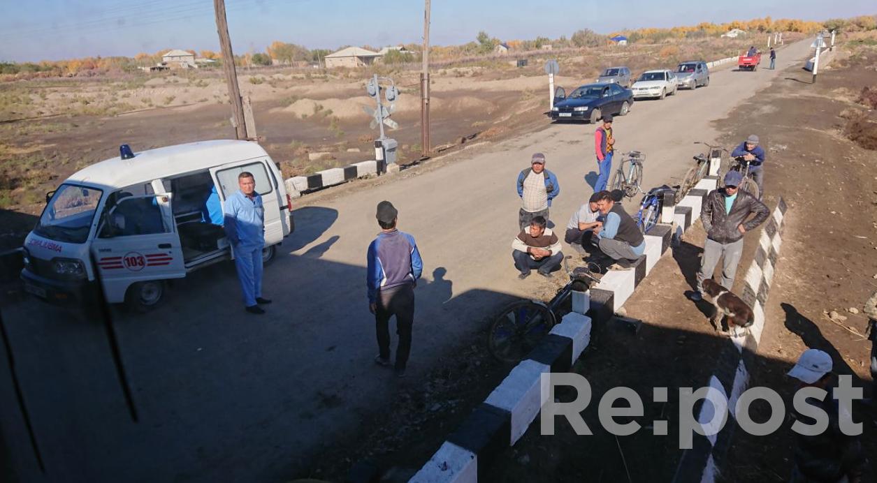 Видео с места аварии: в Нукусе поезд протаранил Нексию - 2