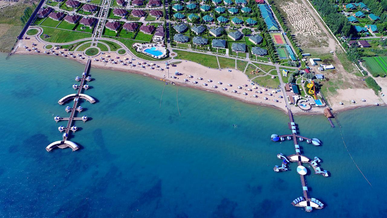 Путешествие на озеро Иссык-Куль: всё, что важно знать